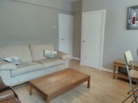 SPACIOUS ONE BED FLAT WITH SEPARATE LOUNGE READY TO MOVE NOW HEART OF TOWER BRIDGE SE1 ONLY £1325