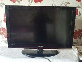 Samsung LE32C450E1W 32 inch Freeview LCD TV