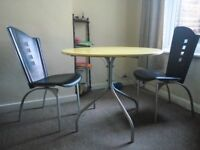 Round Table / Dining table with chairs