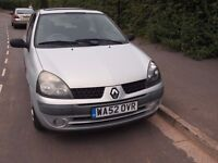 Silver 2002 Renault Clio for spare parts and repairs