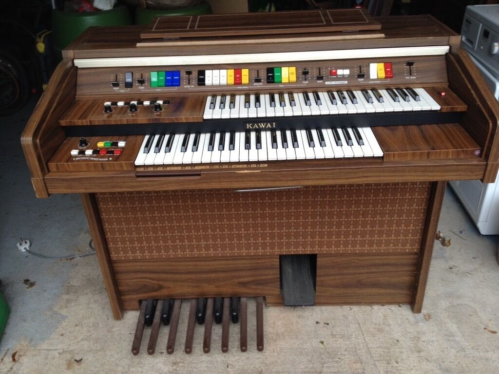 Kawai Electric Organ In Balsall Common West Midlands