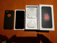 Immaculate space grey iPhoneSE 32Gb used only for 1 week (locked to EE)
