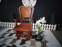 ABSOLUTELY STUNNING NURSERY ROCKING CHAIR SOLID WOOD CHAIR EXTREMELY HEAVY ONE
