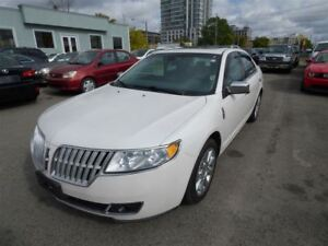 2010 Lincoln MKZ AWD & LEATHER & SUNROOF & HEATED COOLED SEATS