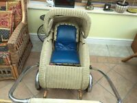 1930s Vintage Wicker Pram/Pushchair with Internal Seat for Sale