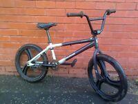 Mongoose Jump BMX bike - Cheap !