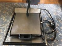 Lincat single electric contact grill with enamelled ribbed plates (Model LPG)