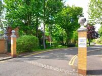 A lovely 2 bedroom flat with 2 bathrooms in Chiswick £385 pw