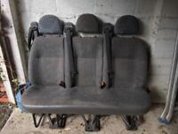 Minibus seats with seatbelts