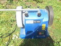 Water bench grinder with leather honing wheel