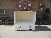 BEAUTIFUL SOLID PINE TV CABINET PAINTED WITH LAURA ASHLEY CREAM COLOUR 76/41/68 cm £50