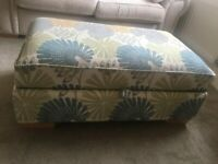 Storage Ottoman / foot rest : ideal for storage or seating