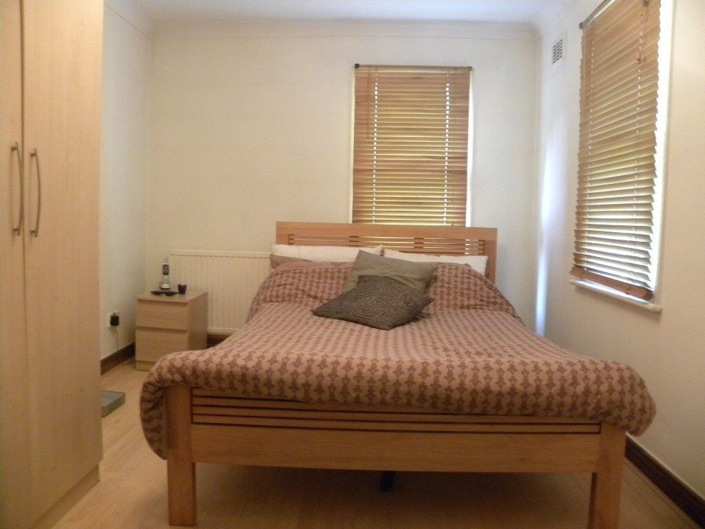 *** Modern 1 Double Bedroom Garden Flat Close To Sydenham Rail Station ***