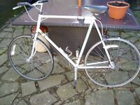 RALEIGH VINTAGE ROAD / RACING BIKE WITH REYNOLDS 501 FRAME SUIT COLLECTOR ONLY £50 FOR QUICK SALE