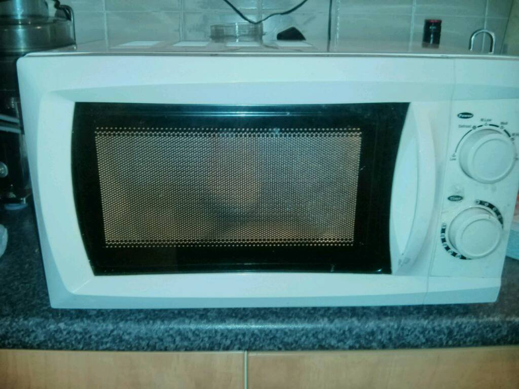 Morrisons White Microwave 17 Litre