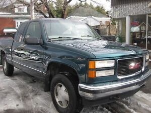 """1997 GMC Sierra 1500 Ext Cab 141.5"""" WB 4WD, AC p/w p/l pushbutto"""