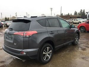 2016 Toyota RAV4 XLE, Cross-Traffic Alert, Blind Spot Monitoring Edmonton Edmonton Area image 4