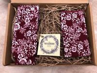 Brand new handmade Necktie & Pocket Square
