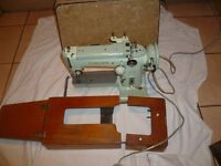 Cylinder arm Freehand embroidery Singer 320K2 sewing machine