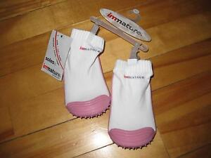New girls Immature soles (socks with grip) Cornwall Ontario image 2