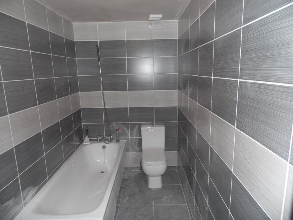 Great Newly Refurbished One Bedroom Flat, Fully Fitted Kitchen & Tiled Bathroom, Close to Station