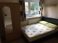 Huge double room in stepney green