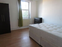 DOUBLE ROOM TO RENT ZONE 2 ( 2 MIN -BOW STATION AND 5MIN MILE END STATION