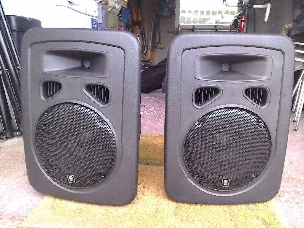 2 x 300 w QTX 10 Active Speakers Inc speaker covers.
