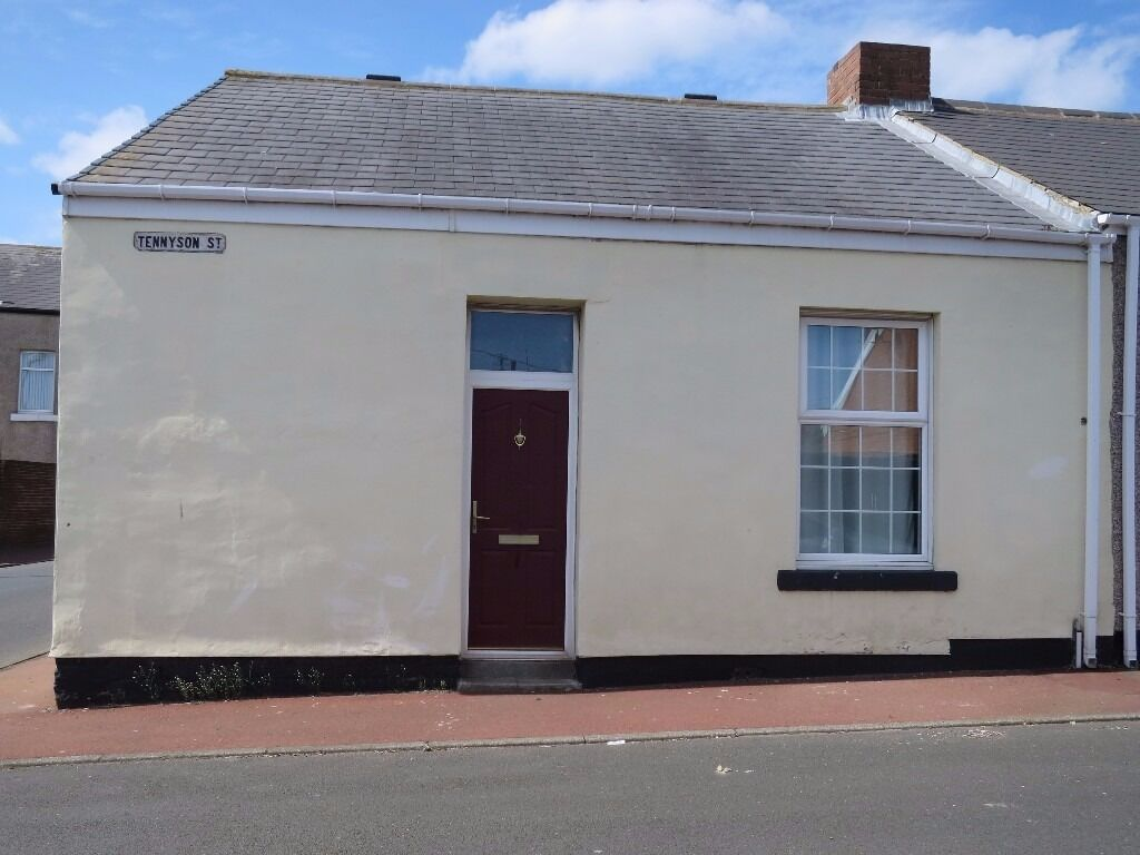 LOW MOVE IN COSTS!!! - Modern 2 Bed Cottage, Tennyson Street, Southwick, Sunderland, SR5 2LE