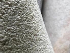 2.60x4.00 (new)hessian backed carpet