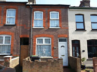 Double Room in 2 Bedroom House, Parking, Close to Town Centre, Train Station, DSS welcome.