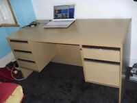OFFICE DESK HAS 5 DRAWERS IN GOOD CONDITION ONLY £25 !