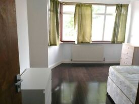 £130pw Double room available in Edmonton for single use only
