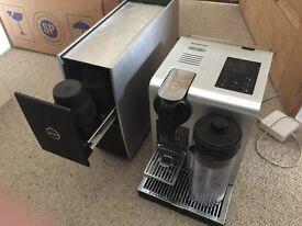 De'Longhi EN750MB Nespresso Lattissima Pro Touch Automatic Espresso & Cappuccino Pod Machine