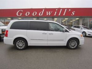 2016 Chrysler Town & Country TOURING! HEATED LEATHER SEATS! QUAD