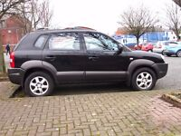 Hyundai Tucson 2.0 diesel 4x4, low mileage, recent MOT sunroof, leather interior