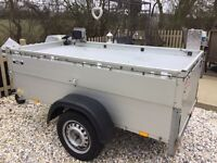 Camping trailer, with electrics