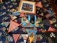 Bundle of childrens Pirate bedroom accessories.