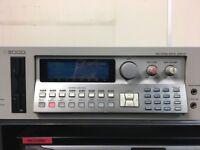 Akai S3000 Sampler