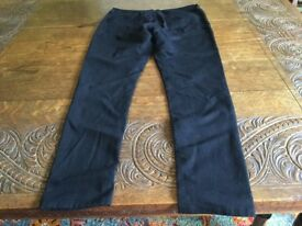 A Pair of Black Ladies Marks and Spencer Jeggings Size 14 Medium