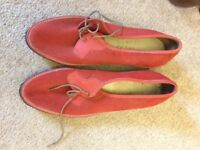 Ladies Shoes - Size 7 - Suede leather