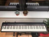 Keyboard - Roland FP 30