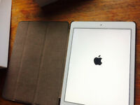 Apple iPad Air 2 16GB, Wi-Fi, 9.7in - Gold (Latest Model)