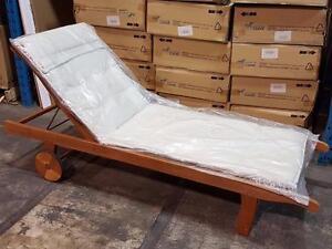 Scancom (kingsbury sunlounger) Chaise longue NEUVE en eucalyptus avec coussin