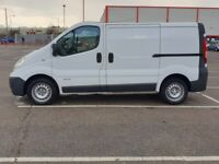 251e509e7e Renault TRAFIC 2009 White 1995cc one previous owner long MOT only 75000  miles
