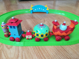 Musical Ninky Nonk Track and Train set In the Night Garden