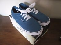CANVAS SOUL CAL SHOES (JUNIOR SIZE 5) BRAND NEW