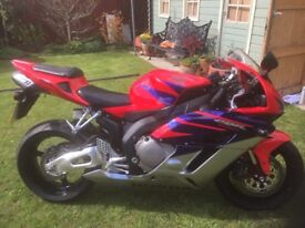 Honda fire blade CBR 1000 RRs 2005 low mileage
