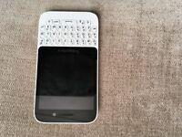 Blackberry Q5 smartphone (white)