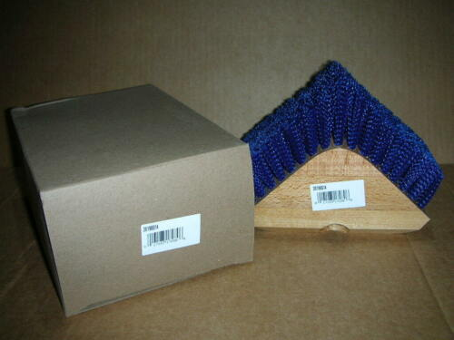 Carlisle 36196614 Blue Triangular Corner Scrubber Brush Polypropylene Bristles